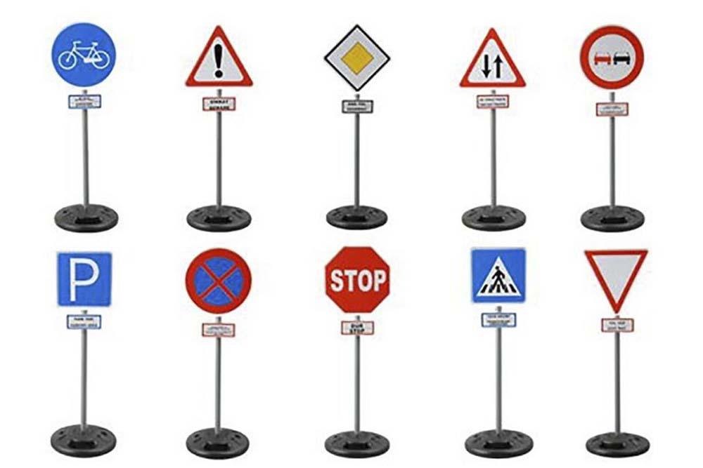 Quan sát kỹ biển báo giao thông