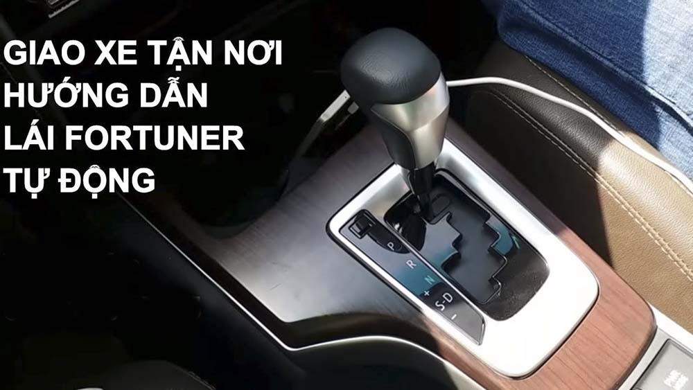 Kỹ thuật lái xe số tự động Fortuner