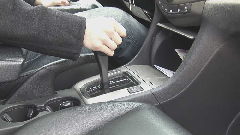 Kiểm soát tay lái khi lái xe