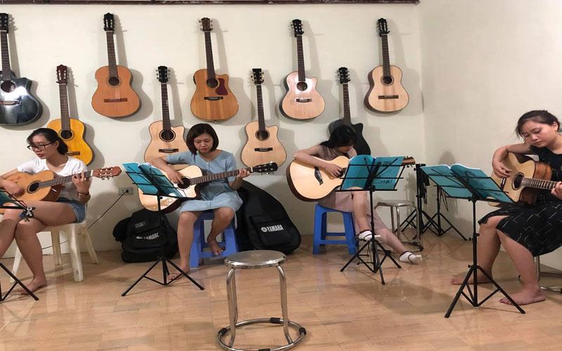 hoc-dan-guitar